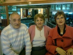 Oscar, Carmen y la tita Rakel en el Oscaici